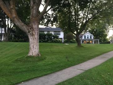 walk to Grey House